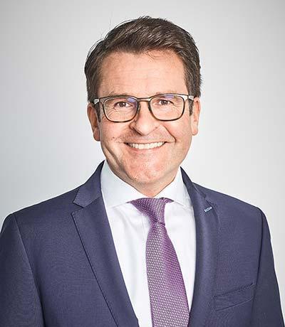 Dr. Oliver Schneider
