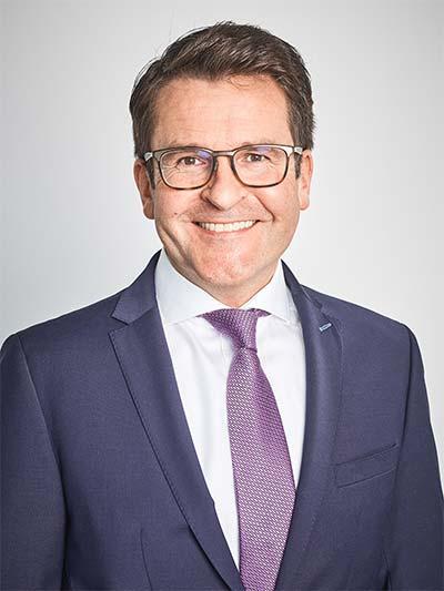 Herr Oliver Scheinder